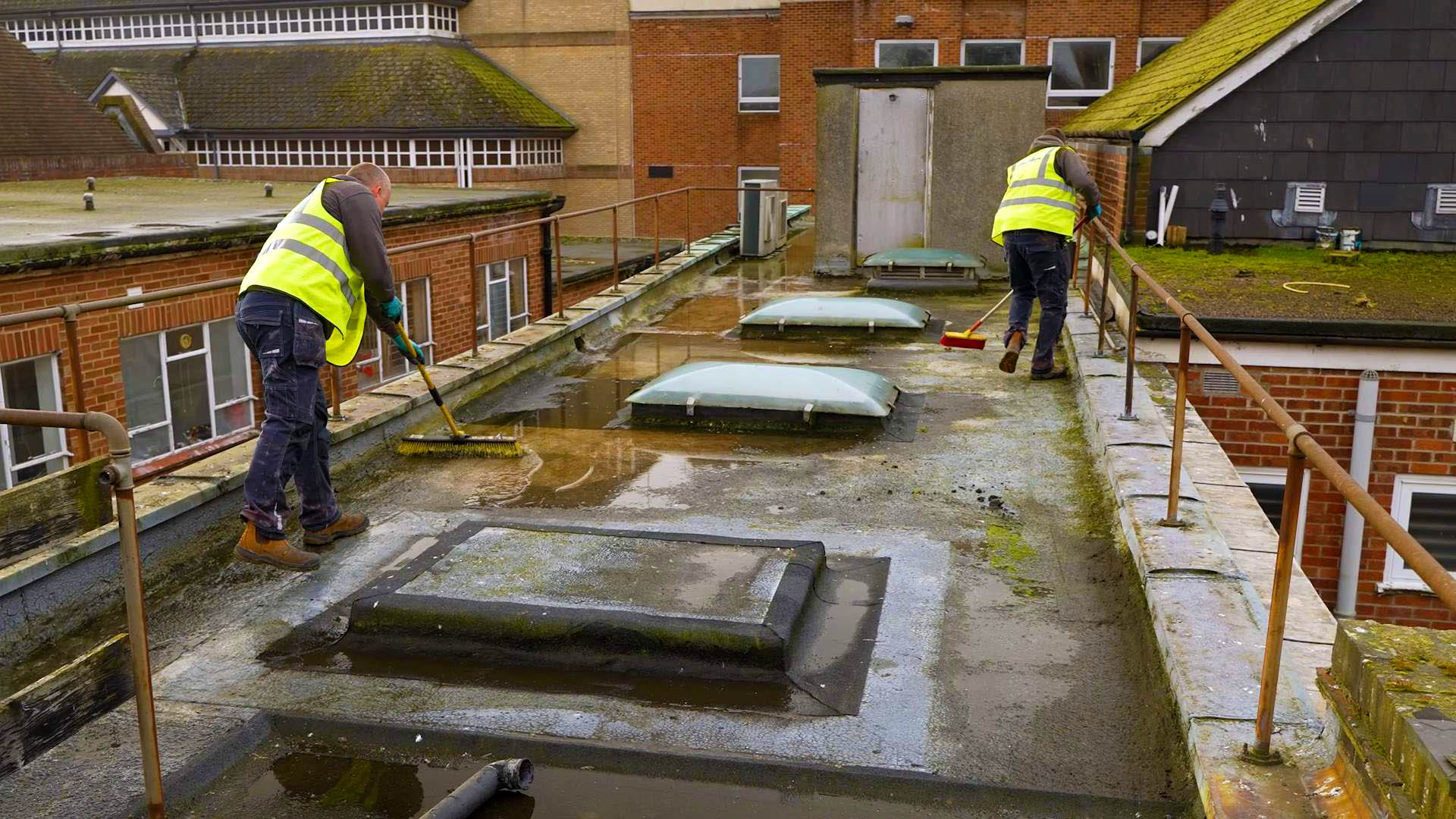 How to Repair a Flat Roof 1